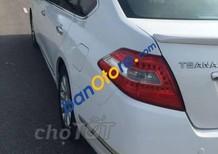 Cần bán Nissan Teana sản xuất năm 2010, màu trắng như mới