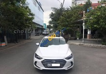 Bán Hyundai Elantra đời 2017, màu trắng, 535 triệu