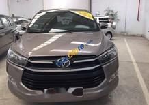 Bán Toyota Innova E sản xuất năm 2017, màu nâu, giá tốt
