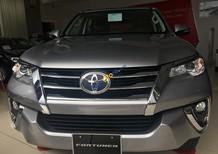 Cần bán rất gấp Toyota Fortuner 2.7V 4x2 AT sản xuất 2018, màu xám bạc, nhập khẩu