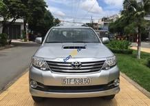 Bán Toyota Fortuner 2.5G, số sàn 12 / 2015, màu bạc, 860 triệu