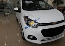 Bán Chevrolet Spark đời 2018, màu trắng 5 chỗ