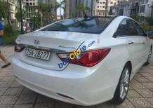 Bán Hyundai Sonata 2.0 AT đời 2011, màu trắng, biển HN, đi 8 vạn 3 km