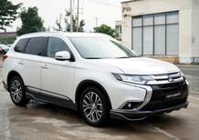 Bán Mitsubishi Outlander màu trắng mới 100%, giảm 51 triệu, giao xe ngay