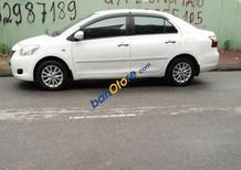 Cần bán gấp Toyota Vios E năm sản xuất 2013, màu trắng số sàn