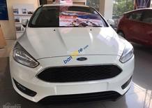 Toàn quốc: Ford Focus 2018 chỉ 200 triệu - ngân hàng 24h, đủ màu giao ngay