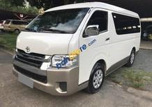 Bán Toyota Hiace 3.0 máy dầu 2017 nhập Nhật, màu trắng, máy móc êm ru