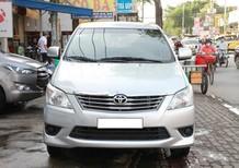 Cần bán Toyota Innova năm sản xuất 2013, màu bạc