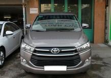 Bán Toyota Innova sản xuất 2017, màu nâu, giá tốt