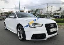 Bán Audi A5 năm sản xuất 2011, màu trắng số tự động