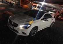 Cần bán gấp Mercedes GLA200 sản xuất 2015, màu trắng