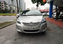 Cần bán Toyota Vios E 2013, màu bạc