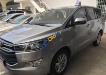 Bán xe Toyota Innova đời 2018, màu bạc