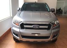 Cần bán gấp Ford Ranger XLS AT 2017, màu bạc, nhập khẩu chính hãng, giá 675tr