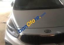 Bán xe Kia Rondo AT năm sản xuất 2016, màu bạc, giá tốt