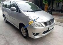 Cần bán Toyota Innova AT năm 2013, màu bạc