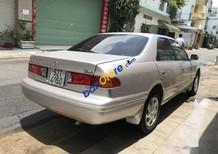 Cần bán Toyota Camry 3.0 năm 2001, màu bạc, nhập khẩu