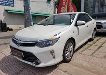 Cần bán Toyota Camry 2.5Q năm 2018, màu trắng số tự động