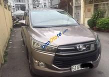 Cần bán lại xe Toyota Innova 2.0 E năm sản xuất 2017, màu nâu, 719tr