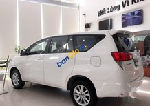 Cần bán Toyota Innova năm sản xuất 2018, màu trắng