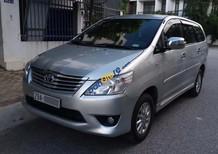 Bán xe Toyota Innova 2.0E năm 2013, màu bạc chính chủ