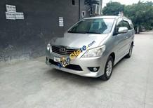 Cần bán Toyota Innova AT sản xuất năm 2013, màu bạc