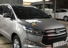 Cần bán lại xe Toyota Innova sản xuất năm 2017, màu bạc số sàn