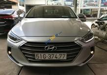 Bán Hyundai Elantra 2.0AT màu bạc, số tự động, sản xuất 2016, biển Sài Gòn