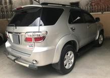 Cần bán xe Toyota Fortuner 2009 máy xăng 2 cầu, màu bạc