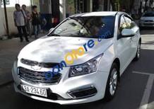 Cần bán xe Chevrolet Cruze sản xuất 2016, màu trắng, giá 450tr