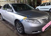 Cần bán xe Toyota Camry năm 2007, màu bạc, giá chỉ 550 triệu