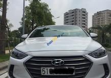 Xe Hyundai Elantra 1.6AT năm 2017, màu trắng xe gia đình, 630tr