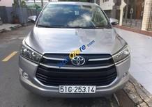 Cần bán gấp Toyota Innova 2.0 E năm 2016, màu bạc xe gia đình, 685tr