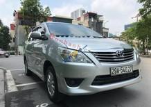 Cần bán xe Toyota Innova 2.0E năm 2012, màu bạc
