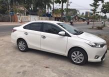 Cần bán xe Toyota Vios 2017 số sàn màu trắng, nội thất kem