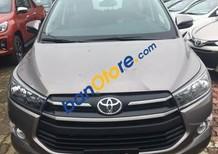 Bán ô tô Toyota Innova 2.0E năm 2018, màu xám