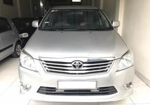 Bán ô tô Toyota Innova 2.0 E 2012, màu bạc