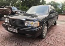 Cần bán Toyota Crown 3.0 MT năm sản xuất 1992, màu đen, chính chủ giá cạnh tranh