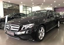 Cần bán gấp Mercedes E250 năm sản xuất 2017, màu đen như mới