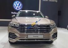 Cần bán Volkswagen Touareg năm 2018, màu vàng, xe nhập giá tốt