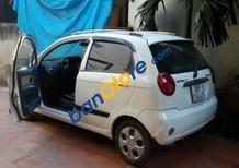 Cần bán Chevrolet Spark sản xuất 2010, màu trắng xe gia đình, giá 120tr
