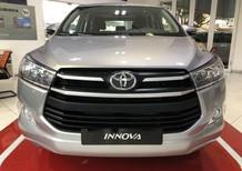Bán xe Toyota Innova E 2018, màu bạc, bao phí lăn bánh Long An