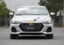 Bán xe Elantra MT 2018, màu trắng, giao ngay