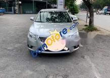 Cần bán Toyota Camry 2.4G năm 2010, màu bạc, xe nhập