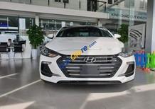 Cần bán Hyundai Elantra sản xuất năm 2018, màu trắng