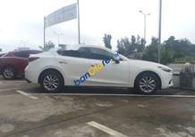 Cần bán Mazda 3 năm 2018, màu trắng, nhập khẩu nguyên chiếc