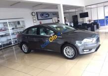 Cần bán xe Ford Focus sản xuất 2018, màu xám