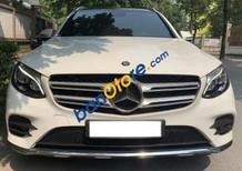 Cần bán lại xe Mercedes GLC300 sản xuất năm 2017, màu trắng, xe nhập