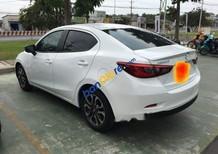 Bán Mazda 2 năm sản xuất 2016, màu trắng, giá tốt