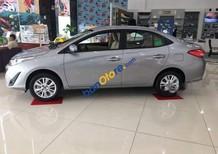 Cần bán xe Toyota Vios sản xuất 2018, màu bạc số tự động